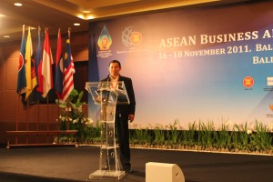 Forum KTT ASEAN Business Summit 2012